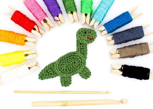 Frau Line Häkelanleitung Dinosaurier