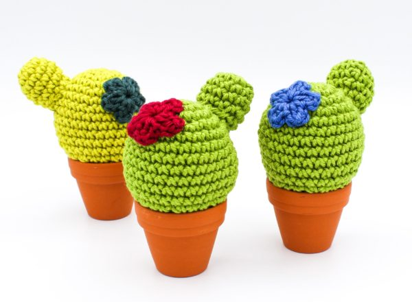 Anleitung gehäkeltes Nadelkissen Kaktus