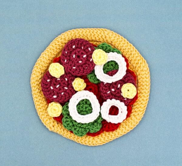 Frau Line Häkelanleitung gehäkelte Pizza