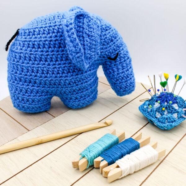 Frau Line Häkelanleitung Tante Elefant Blau