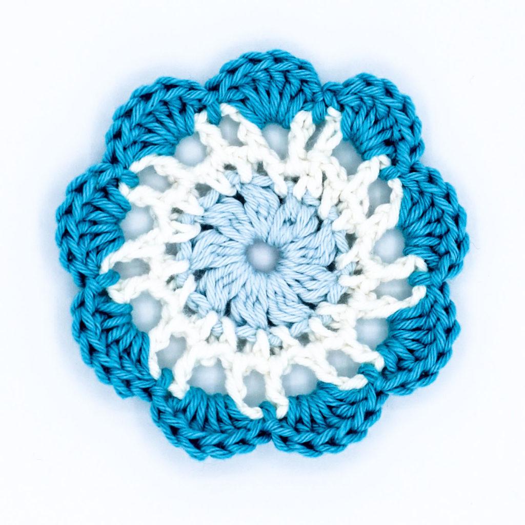 Kostenlose Häkelanleitung Granny Squares Große Blume