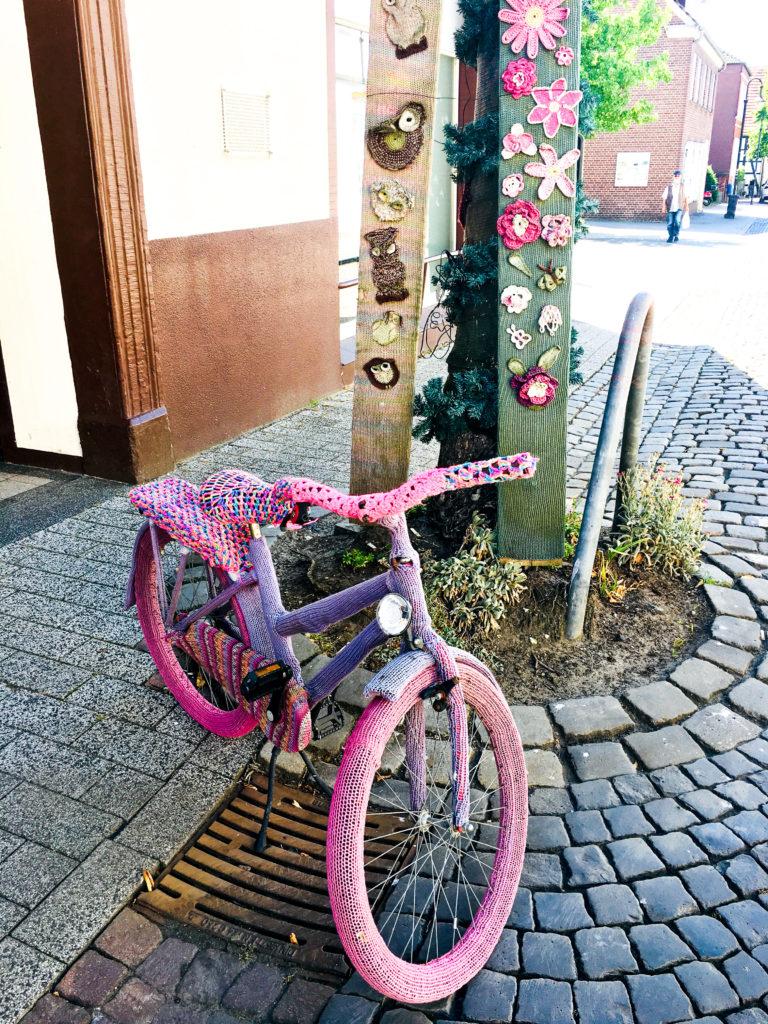 Lenzing Handarbeitsstudion Lengerich gehäkeltes Fahrrad