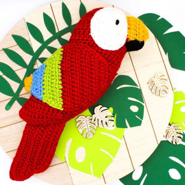 Frau Line Anleitung gehäkelter Papagei