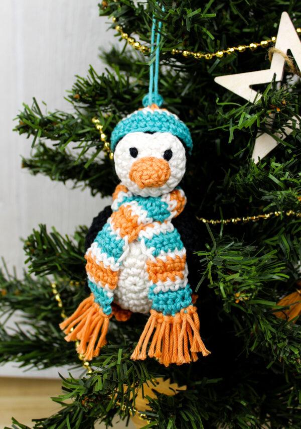 Frau Line Häkelanleitung Weihnachtsdekoration Pinguin Amigurumi
