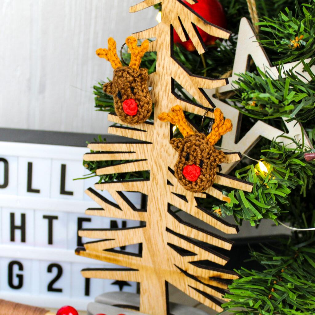 Frau Line Gratisanleitung gehäkelte Weihnachten Ohrringe Rentier
