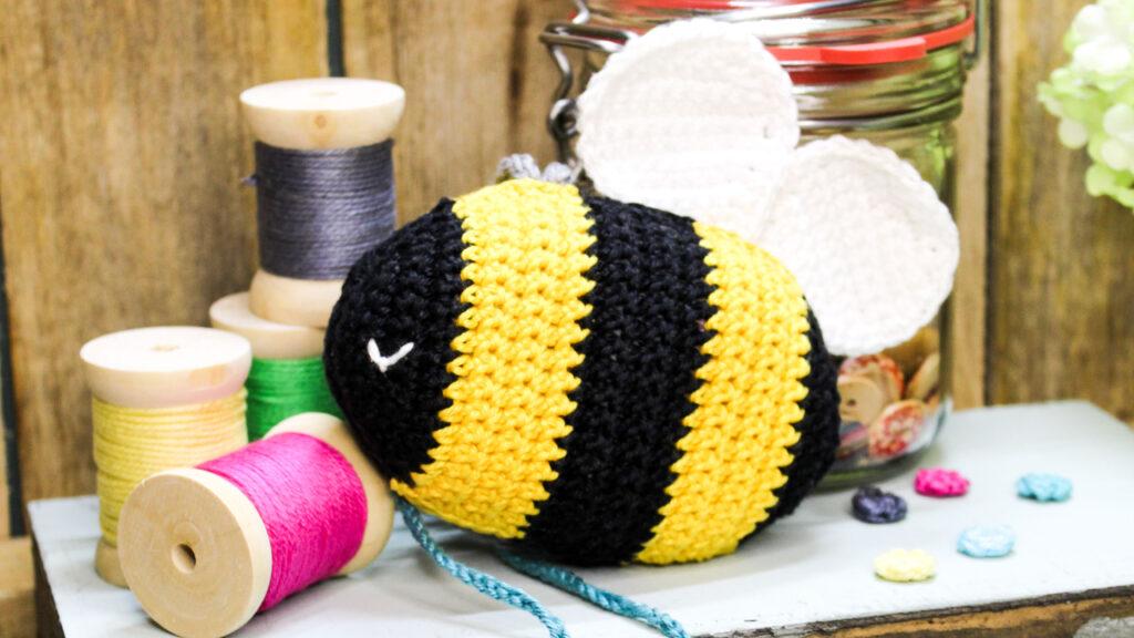 Frau Line Kostenlose Häkelanleitungen Biene Hummel Amigurumi häkeln