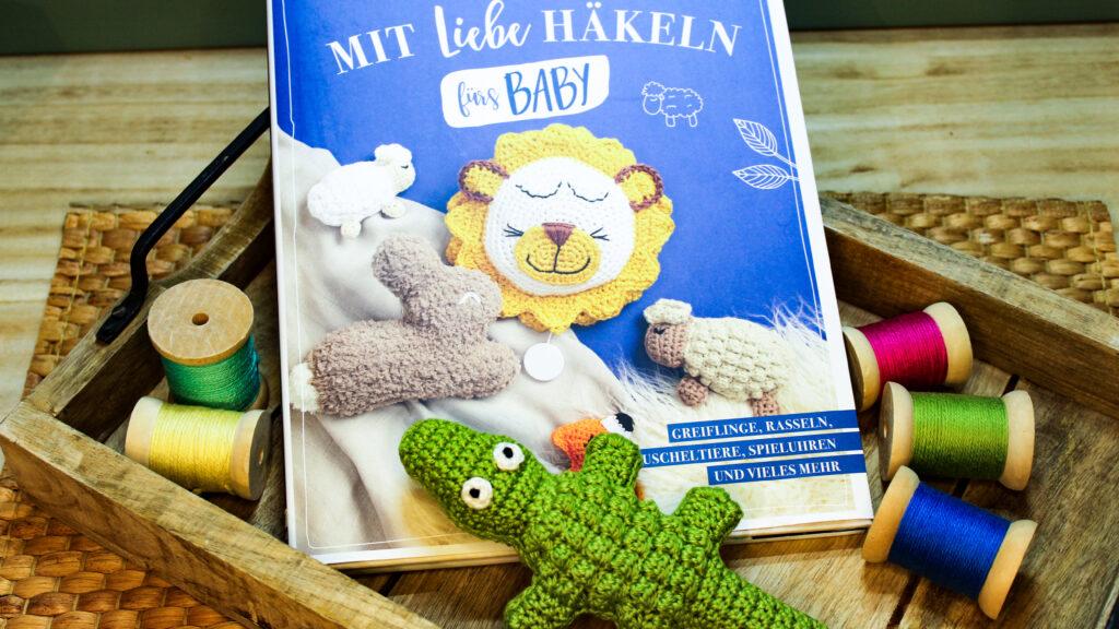 Frau Line Buchbesprechung mit liebe Häkeln für Babys Häkelbuch